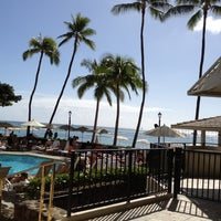 Photo taken at Moana Surfrider, A Westin Resort & Spa, Waikiki Beach by Nackil S. on 12/5/2011