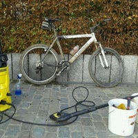 Photo taken at Mountainbike Afspuitinstallatie Pontoni by gunther p. on 12/12/2011