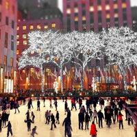 11/26/2011にSuzanne P.がThe Rink at Rockefeller Centerで撮った写真