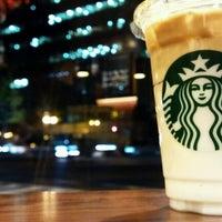 11/21/2011にRyo i.がStarbucks Coffee 御堂筋本町東芝ビル店で撮った写真