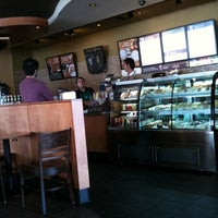 Photo taken at Starbucks by Deivid R. on 1/27/2011