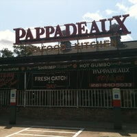 Photo taken at Pappadeaux Seafood Kitchen by Francisco M. on 8/14/2012