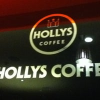 Photo taken at Hollys Coffee by Tetsumi S. on 2/28/2012