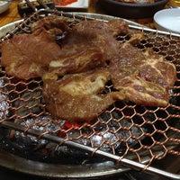 Photo taken at 화로참숯불구이 by Kangrok K. on 4/11/2012