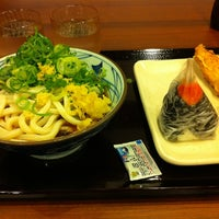 Photo taken at 丸亀製麺 水口店 by okuhirojp on 10/24/2011