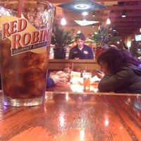 Photo taken at Red Robin Gourmet Burgers by Paul L. on 10/1/2011