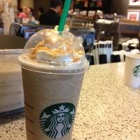 Photo taken at Starbucks by Mee Kittiphong on 7/21/2012