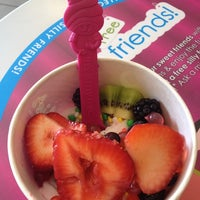 Photo taken at Menchie's Frozen Yogurt by Chrissi on 6/29/2012