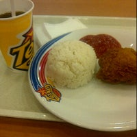 Photo taken at Texas chicken MOG by HIFA F. on 9/21/2011