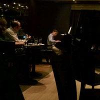 Foto tomada en The Jazz Room at The Kitano  por Stan K. el 10/11/2011