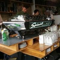 Photo prise au Bonanza Coffee par Andreas F. le6/10/2012