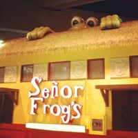Photo taken at Señor Frogs by aoki_dct on 5/30/2012