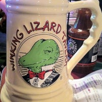 Photo taken at Winking Lizard Tavern by Leslie L. on 4/5/2011