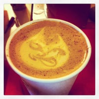 Photo prise au El Diablo Coffee par Alyxe W. le8/7/2012