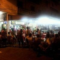 Photo taken at Restoran Leong @ Kemaman by Kelvin T. on 8/30/2011