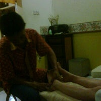 Photo taken at Amanda's Reflexology by TomoBali™ on 3/31/2011