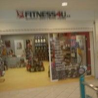 Photo taken at FITNESS4U by Setlisthunter on 12/9/2011