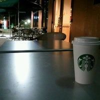 Foto scattata a Starbucks da Zach R. il 1/29/2012
