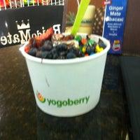 Photo taken at Yogoberry Original by Tonimar D. on 10/6/2011