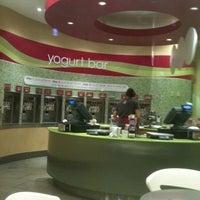 Photo taken at Menchie's Frozen Yogurt by Tim B. on 12/24/2010