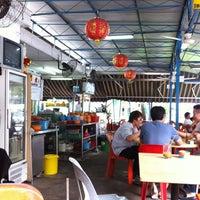 Photo taken at Lee Heng Restaurant by Ivan H. on 4/6/2012