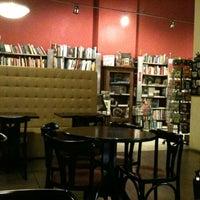 Photo taken at Café da Travessa by Jonas J. on 1/13/2011