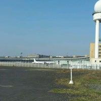Das Foto wurde bei Flughafen Tempelhof von Britta P. am 4/6/2012 aufgenommen