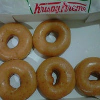 Photo taken at Krispy Kreme by Annie A. on 8/2/2012