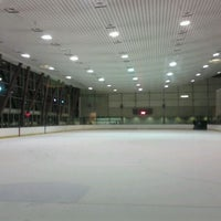 Photo taken at Yerba Buena Ice Skating & Bowling Center by Simon F. on 11/21/2011