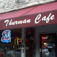 Foto tomada en The Thurman Cafe  por Austin H. el 8/22/2011