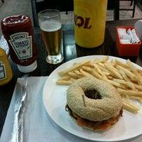 Photo prise au Brasil Burger par Carlos Eduardo S. le10/13/2011