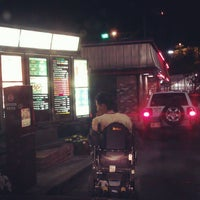 Photo taken at Wendy's by must I. on 7/30/2012
