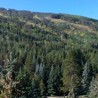 Photo taken at Evergreen Lodge at Vail by Joanne K. on 9/8/2012