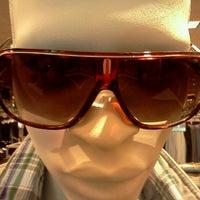 Foto diambil di Nordstrom Tacoma Mall oleh Jonathan C. pada 9/2/2011