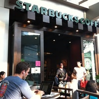 Photo taken at Starbucks by Che F. on 10/1/2011