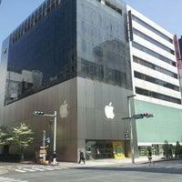 รูปภาพถ่ายที่ Apple Ginza โดย Yoshie. K. เมื่อ 4/29/2012