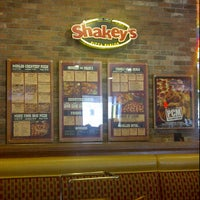 Photo taken at Shakey's Pizza Parlor by Jesse C. on 7/23/2011