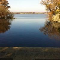 Photo prise au DeGolyer Gardens par Kristi C. le12/1/2011