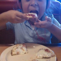 Photo taken at Shakey's Pizza Parlor by Rachel F. on 1/25/2012