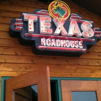 Photo taken at Texas Roadhouse by Kandi on 5/13/2012