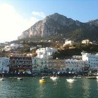 Foto scattata a Porto Turistico di Capri da Gioele T. il 12/8/2011