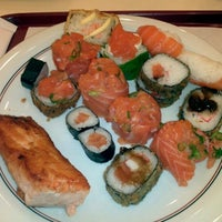Photo taken at Niwa Sushi by Rogerio M. on 5/20/2012