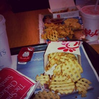 Photo taken at Chick-fil-A by Itzel A M. on 6/8/2012