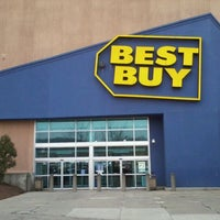 Photo taken at Best Buy by Milton on 3/15/2012