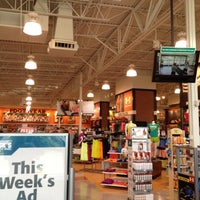 Photo taken at DICK'S Sporting Goods by Chwis on 7/10/2012