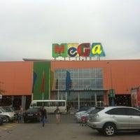 Снимок сделан в МЕГА Екатеринбург пользователем Alexey K. 6/20/2012