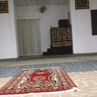 Photo taken at Masjid Omar Salmah by Taufik R. on 5/4/2012
