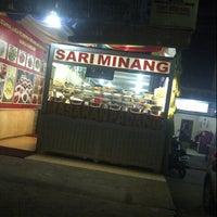 Photo taken at RM. Sari Minang by Lindha S. on 8/16/2012