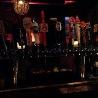 Foto tomada en Bluefoot Bar & Lounge por Jacqueline W. el 3/4/2012