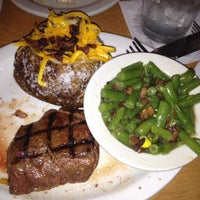 Photo taken at Texas Roadhouse by Penny M. on 6/5/2012
